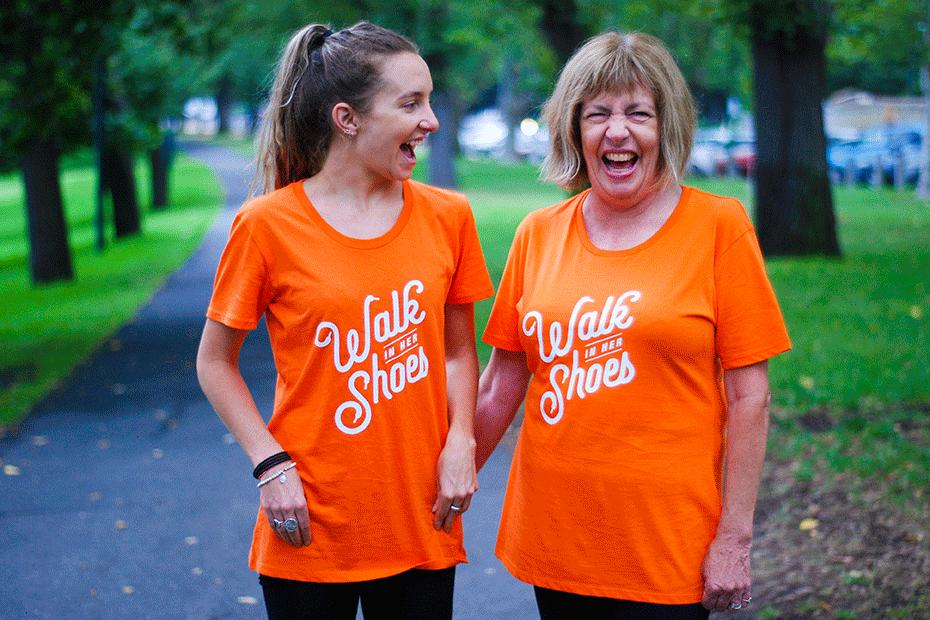homepage-tile-930-mother-daughter-walking-australia