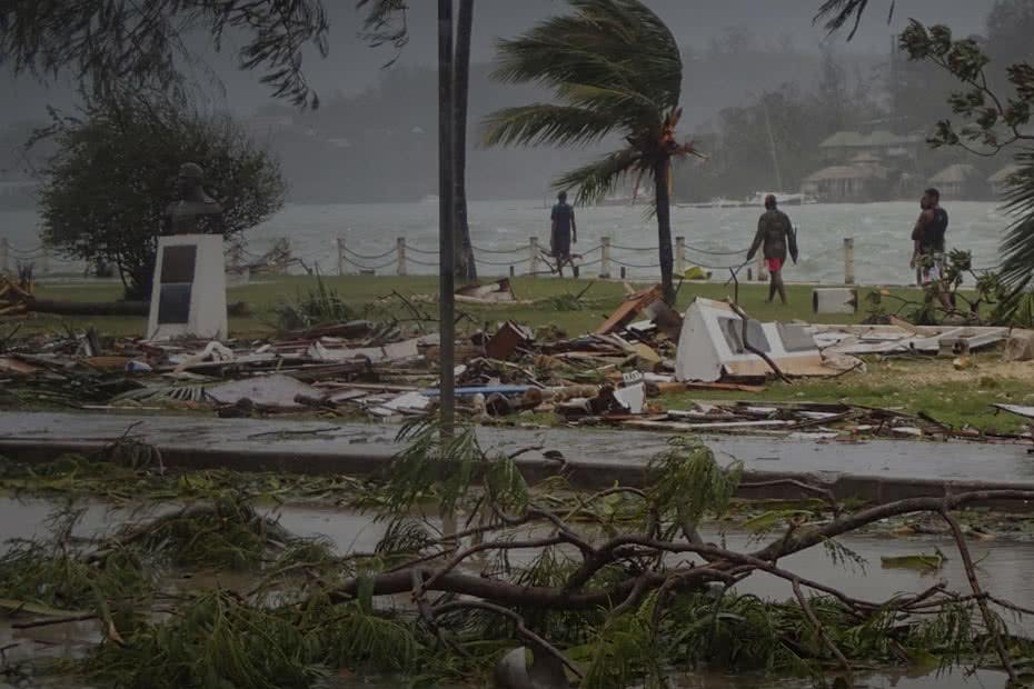 2015_CARE_Cyclone-Pam-Emergency-Vanuatu_Homepage-slide-mobile-930
