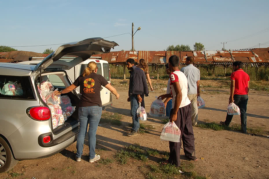CARE is assisting the thousands of Syrian refugees expected to cross the Serbian border in the coming weeks seeking safety.