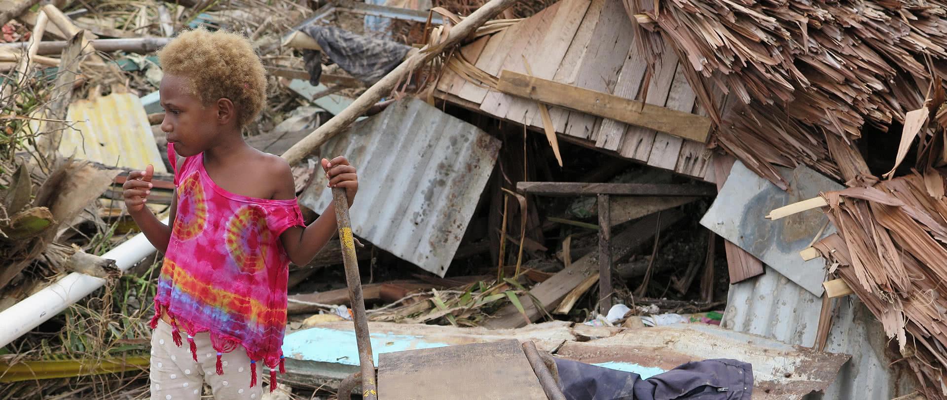 shelter-appeal-1920-featured-boy-debris-vanuatu