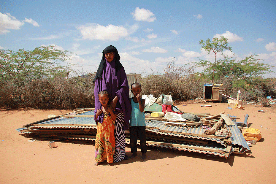 Single mother Qadan and her children in East Africa.