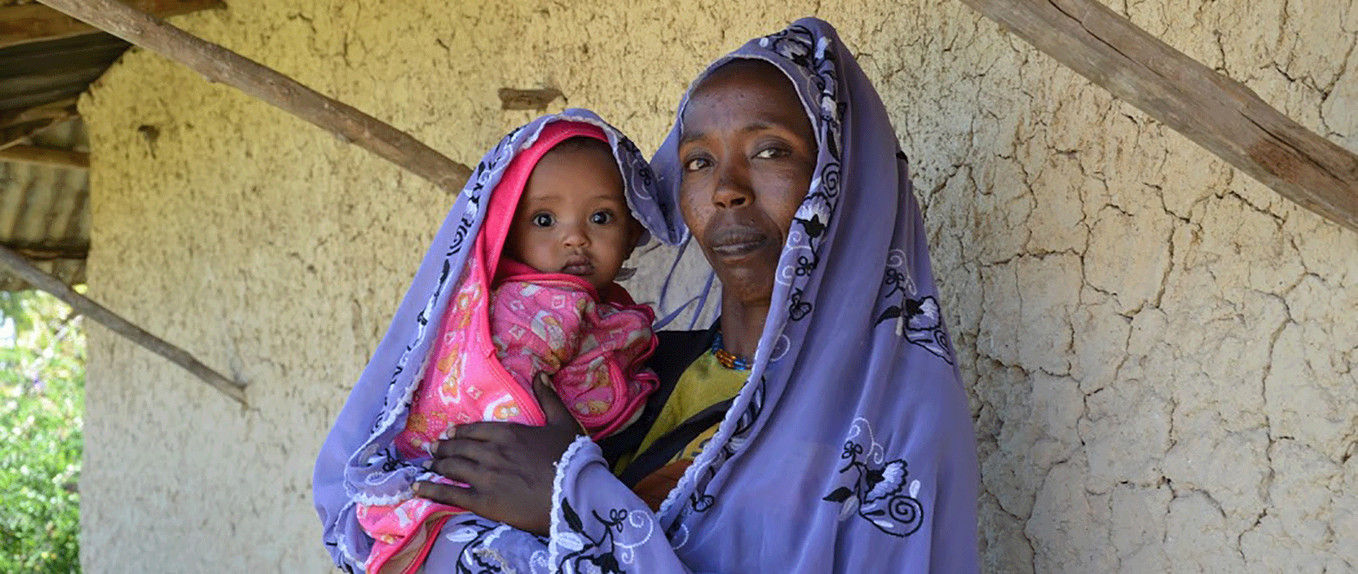 homepage-slider-el-nino-crisis-appeal-1920-razaiya-and-baby-ethiopia