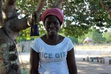 CARE volunteer Rita in Mozambique. Photo by Johanna Mitscherlich/CARE